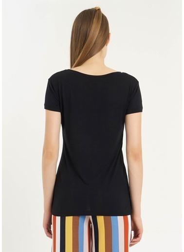 Tiffany&Tomato V Yaka Dantelli Kısa Kollu T-Shirt Siyah